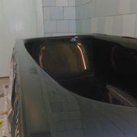 Наливная ванна черным жидким акрилом - фото №1