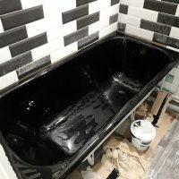 Наливная ванна черным жидким акрилом - фото №5